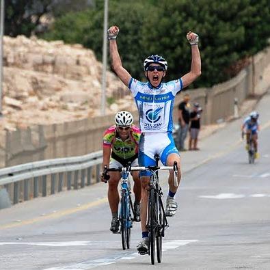 הניצחון האליפות ישרא מרוץ כביש אופניים